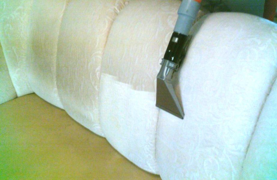 Чем очистить диван из флока в домашних
